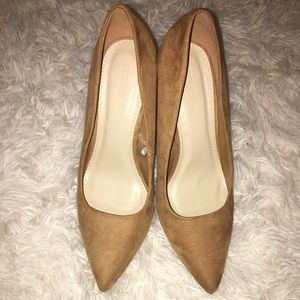 Tan faux suede Forever 21 heels